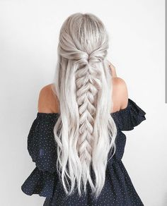 half up half down Trendy Chic Braided Hairstyle Ideas You Should Try - Pull through braid half up . Trendy Chic Braided Hairstyle Ideas You Should Try - Pull through braid half up half down Braided Ponytail Hairstyles, Pretty Hairstyles, Wedding Hairstyles, Hairstyle Ideas, Beehive Hairstyle, Barbie Hairstyle, Lob Hairstyle, Fashion Hairstyles, Hairstyles With Braids