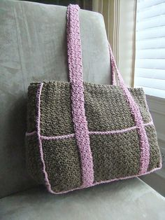 Eight-Pocket Two-Tone Carryall Tote: free pattern gotta find time for thisEight-Pocket Two-Tone Carryall Tote: free pattern, but it's crochet, so I'll try to figure out a knit version Crochet Diaper Bag, Crochet Tote, Crochet Handbags, Crochet Purses, Crochet Crafts, Free Crochet, Crochet Baby, Double Crochet, Crochet Purse Patterns