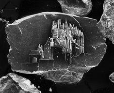 Sandcastle #10, série Sandcastles, 2014, fotografia cromogênica digital, de Vik Muniz