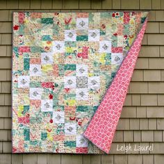 Throw quilts are larger than lap quilt patterns. At a minimum, your throw quilt should be 40 inches wide and at maximum, it should be 80 inches long. Lap Quilts, Scrappy Quilts, Mini Quilts, Quilt Blocks, Jelly Roll Quilt Patterns, Quilt Patterns Free, Quilting Tutorials, Quilting Projects, Quilting Ideas