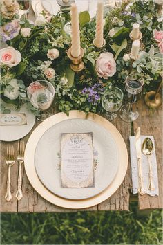 classic china with gold accents table decor  Portugal White Weddings - Your wedding planner in Portugal