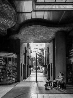 La Obra Urbana de Togo Díaz / José Ignacio Díaz Lost In Space, Interior And Exterior, Brick, Urban, Scenery, Architecture, Fotografia, Photos, Argentina