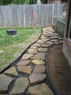 60 Backyard and Front Yard Pathway and Stepping Stone Walkway Ideas The garden pathway is a must-have not only because it enriches the landscape and make the décor more beautiful but also for practical reasons. Rock Walkway, Backyard Walkway, Front Yard Landscaping, Landscaping Design, Flagstone Pathway, Concrete Walkway, Paver Walkway, Rock Path, Stone Walkways