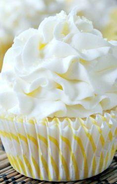 ❤️Lemon Cupcake with Lemon Buttercream!❤️