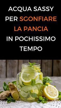 Come preparare l'acqua sassy per sgonfiare la pancia e perdere peso - benessereSassy water is a key element in many programs for a flat stomach. Wellness Fitness, Health Fitness, Body Detox Cleanse, Lemon Drink, Weight Loss Drinks, Natural Medicine, Stay Fit, Smoothie Recipes, Smoothies