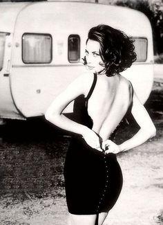 Christy Turlington by Ellen Von Unwerth #vogueitalia #almostvintage