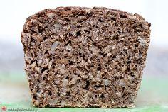 celozrnný kváskový žitný chleba bez hnětení
