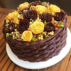 best recipe for chocolate wedding cakes Buttercream Birthday Cake, Cake Icing, Cupcake Cakes, Cake Decorating Piping, Decadent Cakes, Cake Decorating Techniques, Floral Cake, Celebration Cakes, Celebration Chocolate
