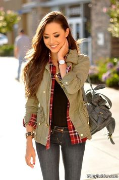 Today what I have in box of treasure for you is original and elegant Women's Parka Jackets Outfit Ideas. Every woman should have a classic parka jacket in her Army Jacket Outfits, Parka Outfit, Street Style 2017, Coats For Women, Jackets For Women, Clothes For Women, Khaki Jacket, Jacket Jeans, Stylish Jackets
