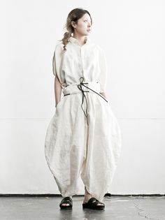 Sculptural Fashion - oversized pants with exaggerated shape; all white fashion // ROGGYKEI S/S 2016
