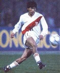 """Jorge """"Koki"""" Hirano, Seleccionado nacional de Futbol, uno de los futbolistas nikkei mas reconocidos."""