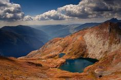 Lacul Capra din muntii Fagaras - Goat Lake in the Fagaras Mountains Places Around The World, Travel Around The World, Around The Worlds, Visit Romania, Romania Travel, Bucharest Romania, Eastern Europe, Countries Of The World, Natural Wonders