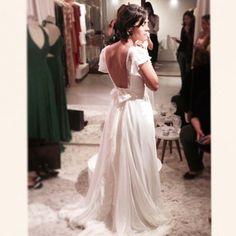 """Registro do dia da entrega!!! @luizamoraes1  #carolnasseratelier #noivacarolnasser #justmarried #sobmedida #dream #gown #lace #fluidez #rendafrancesa #chantillyfrancesa #weddinggown #bridalstyle #detail #bridal #musselinedesedapura #weddingfashion #love"" Photo taken by @carolnasseratelier on Instagram, pinned via the InstaPin iOS App! http://www.instapinapp.com (07/14/2015)"