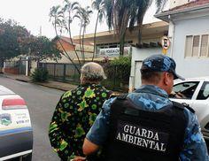 GCM prende cigano que se identificou como índio para aplicar golpe em casal de idosos - Na manhã desta quinta-feira (26), os guardas civis municipais Zambonato e Chagas foram acionados a comparecer na região da Vila Santana, onde um homem se apresentou como índio a um casal de idoso. Disse ainda, que tinha credencial da FUNAI pra vender plantas que curam doenças e exigiu a - http://acontecebotucatu.com.br/policia/gcm-prende-cigano-que-se-identificou-como-indio-para-aplic