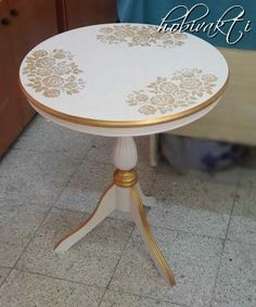 Fiskos table renewed by my course friend - Diy Möbel Decoupage Furniture, Hand Painted Furniture, Refurbished Furniture, Paint Furniture, Repurposed Furniture, Shabby Chic Furniture, Furniture Makeover, Vintage Furniture, Furniture Design