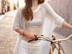 DIY-Anleitung: Schlichten Longcardigan mit kurzen Ärmeln stricken / diy knitting pattern for a summerly cardigan with short sleeves via DaWanda.com