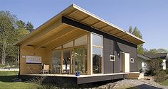 Materialicious is a user-submitted visual curation site featuring residential architecture and design, craftsmanship, materials and products. Cabin Design, Roof Design, Cottage Design, House Design, Modern Log Cabins, Modern Prefab Homes, Patio Plan, Small Cottage Homes, Casas Containers