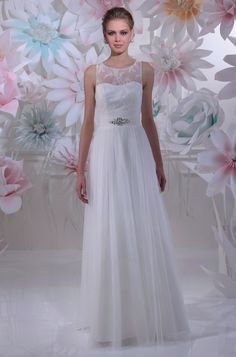 "Isabel de Mestre - New York Kollektion 2016: Brautkleid ""Vela"" mit transparenten Spitzenträgern."