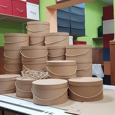 """Fábrica de Cajas y Sombrereras on Instagram: """"Informar a nuestros clientes y amigos, que nuestro taller está ubicado, fuera del anillo de Madrid Central. Que pueden acceder y venir…"""" Hat Boxes, Box Packaging, Madrid, Tableware, Instagram, Wooden Crates, Creative Gifts, Atelier, Friends"""
