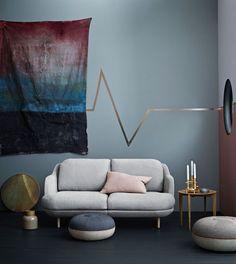 Design sculptural pour ce petit canapé