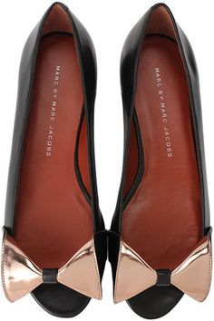 I absolutely adore these shoes. The bow is too cute! #shoes #MarcByMarcJacobs #Fashion