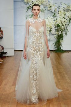 See the complete Monique Lhuillier Bridal Spring 2018 collection.