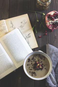 Rezept für Pastinaken-Maronen-Suppe mit herzhafter Nuss-Granola. Holunderweg18 Vitamin D, Granola, Soup Recipes, Tableware, Kitchen, Food, Germany, Design, Quick Vegetarian Recipes