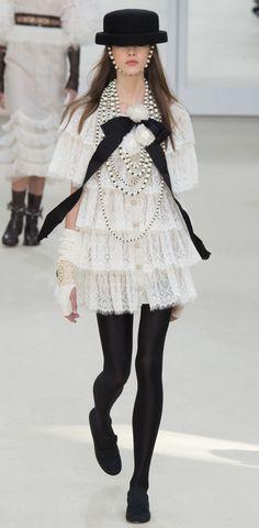 Chanel Fall 2016 rtw Paris Fashion Week