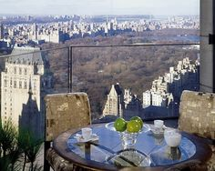 A view of New York City from the Four Seasons. Honey????? Where are you...I'm waiting in the taxi with my bags:)