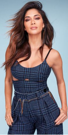 Who made Nicole Scherzinger's blue cut out top and plaid pants?