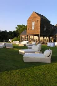 Hampton's evening relaxing on the lawn Wicker Furniture, Outdoor Furniture Sets, The Hamptons, Hamptons Party, Westhampton Beach, Outdoor Seating, Outdoor Decor, Yard Party, Long Island Ny