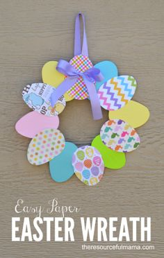 This easy paper Easter wreath is easy enough for kids to make and cute enough for adults to make. #EasyHomeDécor,