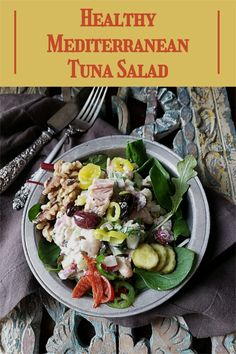 No cooking. Robust full flavors. An amazing presentation. Yep, that's what you'll get with this healthy Mediterranean tuna salad! #greekrecipes #tunasalad Mediterranean Tuna Salad, Good Healthy Recipes, Easy Recipes, Different Salads, Easy Salads, Greek Recipes, Quick Easy Meals, Good Food, Dinner Recipes
