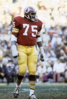 Deacon Jones concluded his career with the Washington Redskins in In the final game of his NFL career, the Redskins allowed him to kick the point-after-touchdown for the game's last score. Redskins Players, Redskins Cheerleaders, Redskins Fans, Redskins Football, Nfl Football Players, Football Uniforms, Sport Football, School Football, Football Images