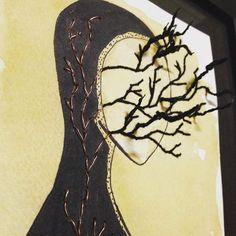 Obra do artista Marlan Cotrim. bordado com fio de cobre.