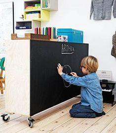 Børneværelse: Kreativt rum for krudtugler - Vores Børn - ALT.dk Baby Bedroom, Baby Boy Rooms, Kids Bedroom, Creative Kids Rooms, Baby Room Design, Creative Storage, Kids Corner, Kid Spaces, Kidsroom