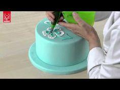 Ghiaccia Reale: come creare fiori e decorazioni - YouTube