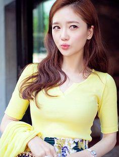 [CHUU] RIBBED SPLIT NECK SHIRT #yellow #fashion #chic #top