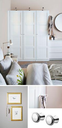 Tradycyjne płyciny i biel dodają drzwiom BERGSBO niepowtarzalnego stylu i lekkości. W romantycznej sypialni ze ścianami w kolorze pudrowego różu szafa PAX z takim frontami prezentuje się efektownie. Romantyczny klimat można podkreślić złotymi akcentami – będzie klasycznie, lub czarnymi (jak rysunek na apaszce) – stanie się nowocześniej. Szafa PAX z drzwiami na zawiasach BERGSBO (50x195 cm). Obudowa biała (150x60x201 cm). Rama drzwi i płyciny płyty pilśniowej wykończonej folią. Na zdjęciu…
