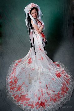 zombie wedding gown with head piece i think this is gorgeous in a zombie halloween - Halloween Wedding Gown