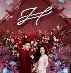 酒红色+绿色撞色婚礼 - 国外案例 Ceremony Backdrop, Tea Ceremony, Work Inspiration, Wedding Inspiration, Wedding Ideas, Red Wedding, Wedding Reception, Chinese Wedding Decor, Event Photography
