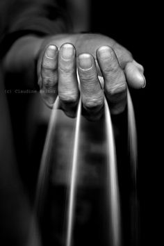 our time is running out by Picturs-Of-Me Fine Art Photography - Hand Photography, Creative Photography, Artistic Photography, Beauty Photography, Black White Photos, Black And White Photography, Hand Fotografie, Photo Main, Images Esthétiques