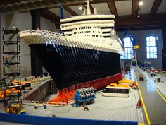 The Queen Mary 2 Lego MOC