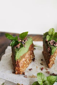 Minty Green Chocolate Cream Bars | This Rawsome Vegan Life | #recipe #raw #vegan