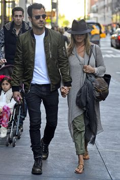 Jennifer Aniston & Justin Theroux Hold Hands in NYC!: Photo Jennifer Aniston and her fiance Justin Theroux walk hand-in-hand as they leave Barneys New York on Sunday (May in New York City. 1950s Jacket Mens, Cargo Jacket Mens, Grey Bomber Jacket, Leather Jacket, Jennifer Aniston Style, Jenifer Aniston, Justin Theroux Jennifer Aniston, Cheap Skinny Jeans, Ripped Skinny Jeans