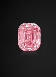 The Graff Pink, a carat pink diamond, rectangular shape, rounded corners once owned by Harry Winston. I will be a beautiful engagement ring someday too! Gems Jewelry, Gemstone Jewelry, Diamond Jewelry, Fine Jewelry, Body Jewelry, Bling, Rocks And Gems, Diamond Gemstone, Rocks And Minerals