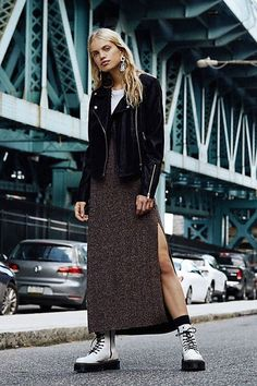 fashion over 40 business Fashion 101, Fashion Over 40, Women's Summer Fashion, Curvy Fashion, Winter Fashion, Fashion Trends, Fashion Edgy, Fashion Ideas, Female Fashion