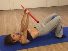 5 Ejercicios hipopresivos que te ayudarán a lucir un abdomen de acero este verano Fitness Exercise - Şifalı Kür Tarifleri - Mücize Kür Tarifi Pilates, Muscle Problems, Increase Stamina, Yoga Positions, Senior Fitness, Resistance Band Exercises, Healthy Aging, Yoga Fashion, Best Yoga