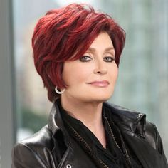 Sharon Osbourne is sure to shake things up on The celebrity Apprentice. Medium Hair Styles For Women, Short Hair Cuts For Women, Short Hairstyles For Women, Mom Hairstyles, Hair Color For Black Hair, Cool Haircuts, Short Haircuts, Auburn, New Hair