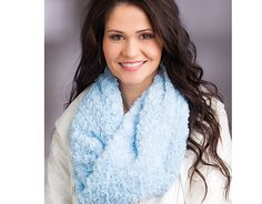 Make a Cuddle Infinity Scarf- Sew & Quilt With Cuddle Fabric by Mary Gay Leahy - online class by @anniescatalog - Find out more on My Cuddle Corner, our blog http://shannonfabrics.com/blog/2015/04/03/sew-and-quilt-with-cuddle-fabric-online-class/ -  features Cuddle from Luxe Cuddle http://www.shannonfabrics.com/luxe-cuddle-br-collection-c-154.html #InfintiyScarf